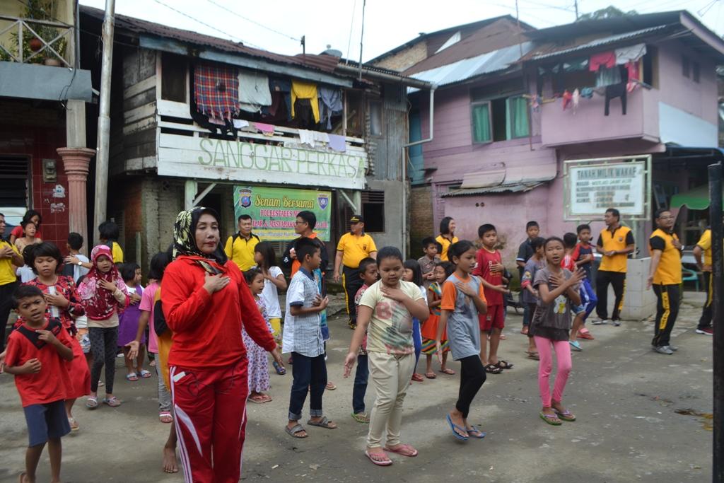 PKPA Menggalang Kebersamaan dengan Masyarakat Lewat Senam Three Ends