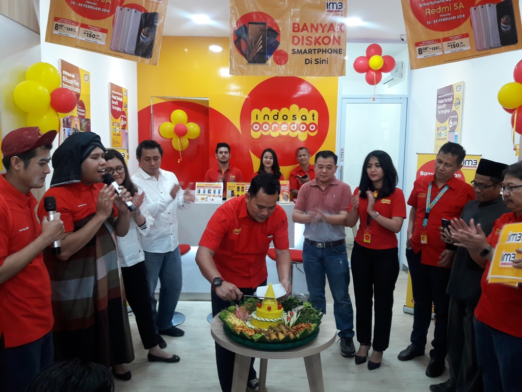 Gerai Indosat Ooredoo Centre Point Mall 2