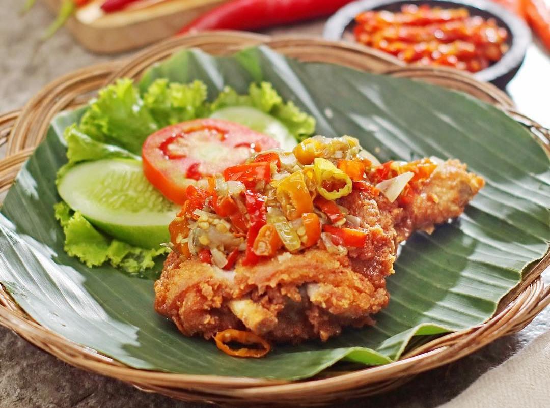 Geprek SAy : Kuliner Ayam Geprek ala Artis Indonesia Hadir di Medan