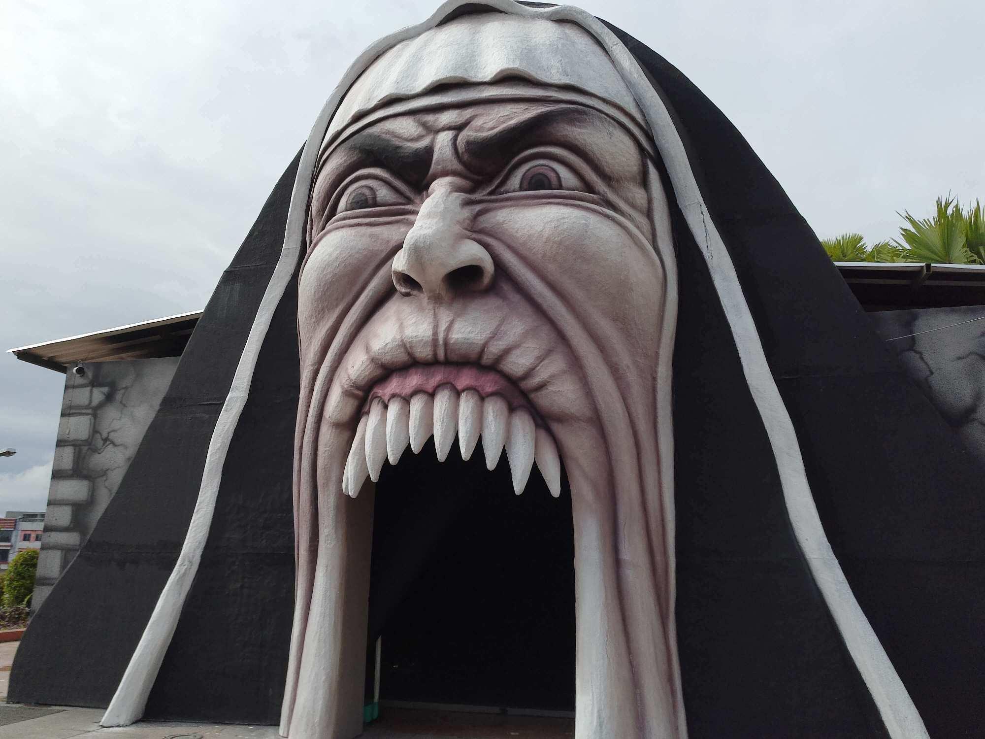 Rumah Hantu Valak di Medan