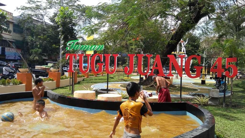 Kolam - Tugu Juang 45 Medan