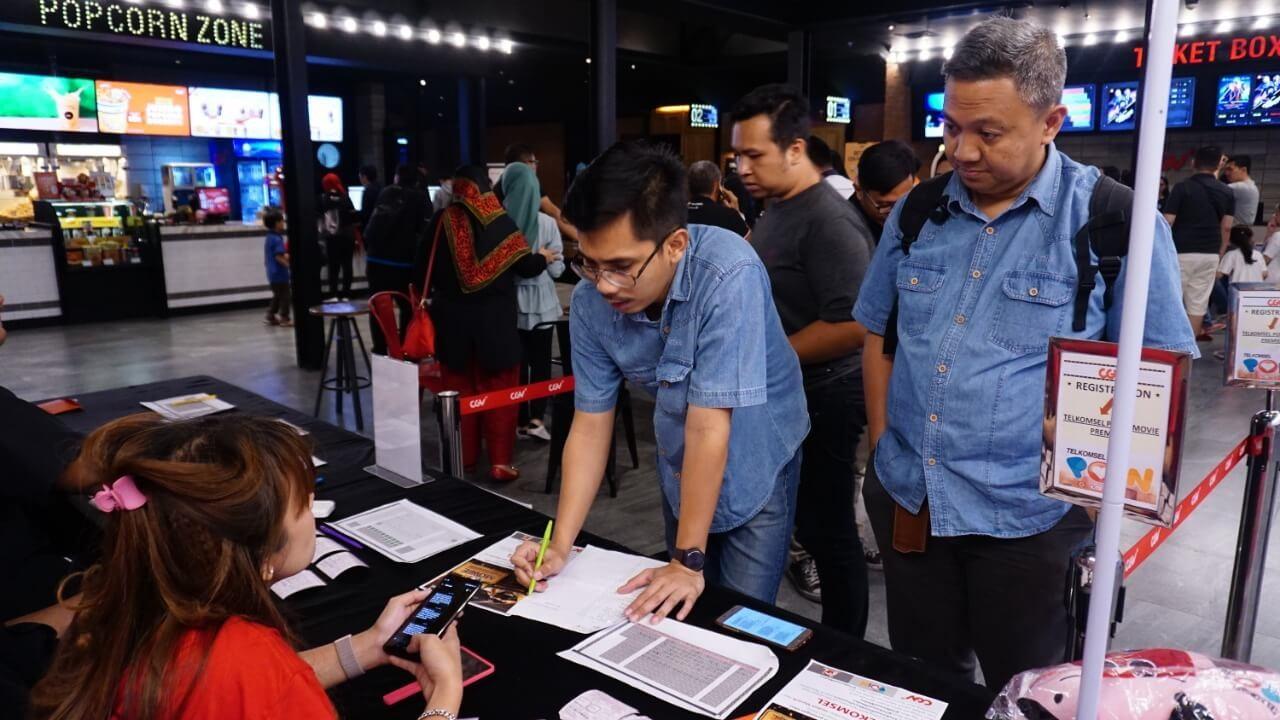 Pelanggan Telkomsel di Medan Nonton Tayangan Perdana Fast And Furious