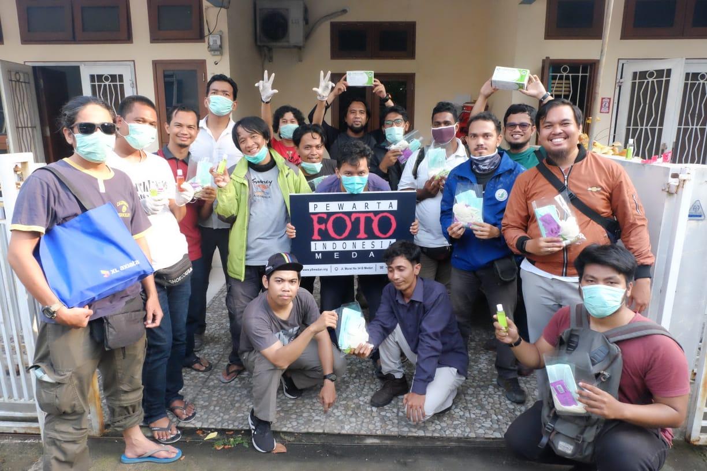 PFI Medan Bagikan Masker Vitamin Hand Sanitizer