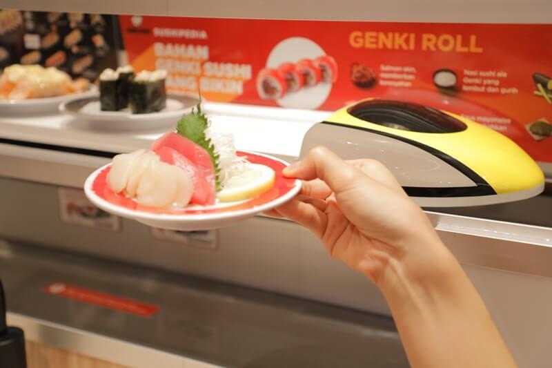 Shinkansen Train on Kousuku Lane to Deliver speedy and fresh food