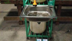 Dosen Unimed Ciptakan Mesin Pencuci Tangan Anti Covid-19
