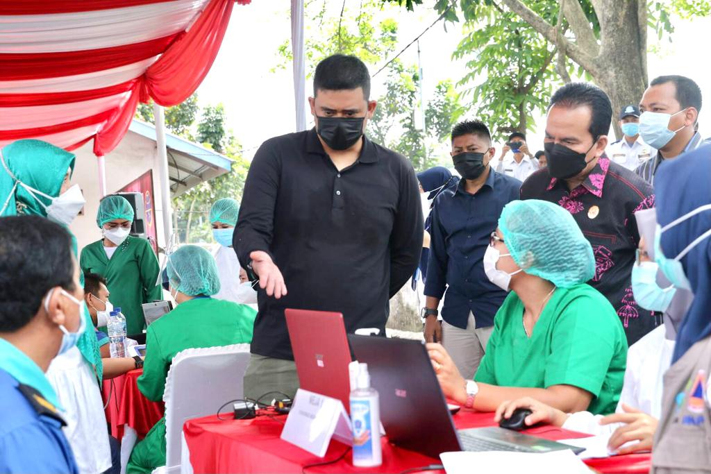 Vaksinasi di Medan Tak Ada Kendala