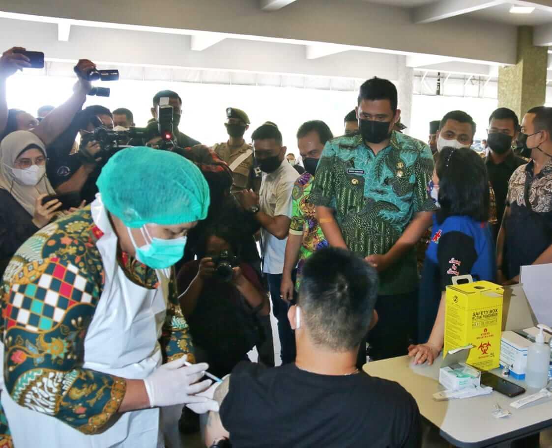 Wali Kota Targetkan 70% Warga Medan Bisa Divaksin